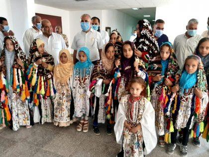 وزير الري يعقد جلسة نقاشية مع مشايخ القبائل بواحة سيوة