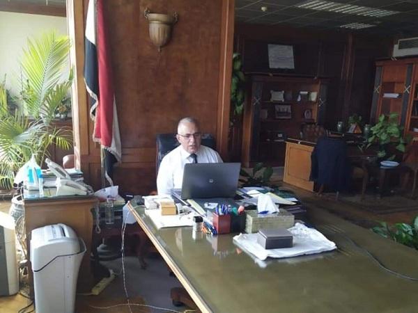 د/ عبد العاطى يجتمع بالقيادات التنفيذية بالوزارة