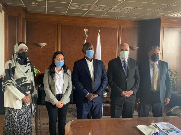 """الدكتور عبد العاطى يلتقى وفد مؤسسة """"ماعت للسلام والتنمية وحقوق الانسان"""""""