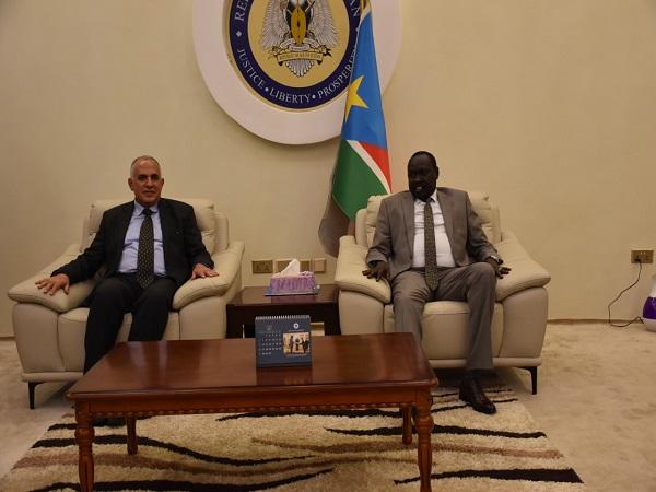 السيد الرئيس/ سلفا كير رئيس جمهورية جنوب السودان يستقبل د.عبد العاطي