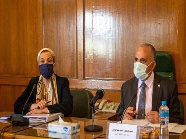 إجتماع اللجنة العليا لتراخيص الشواطئ