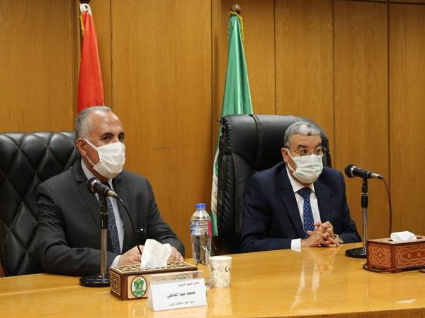 د/ عبد العاطى يصل الى المنيا لمتابعة موقف مشروعات الموارد المائية والري