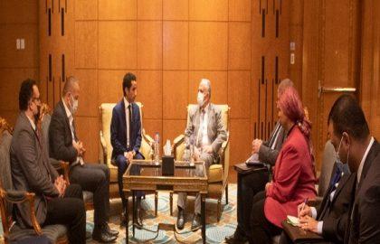 د/ عبد العاطى يلتقى وفد الشبكة الاسلامية التابعة لمنظمة التعاون الاسلامي